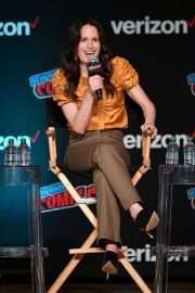 Elizabeth Reaser at Netflix & Chills Panel at New York Comic-Con 2018/10/05 9