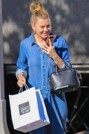 Ellen Pompeo Out Shopping in Studio City 2018/10/26 7