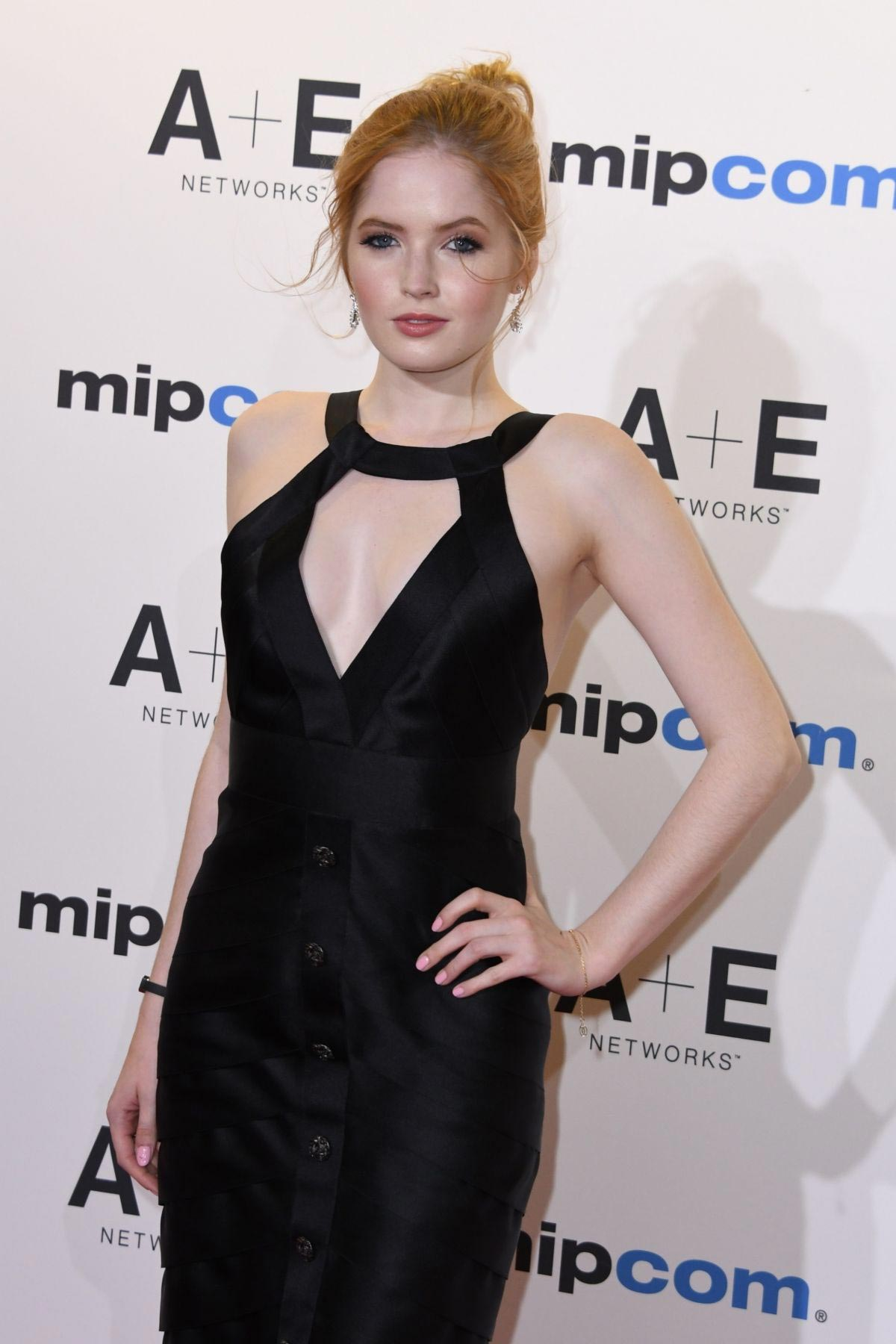 Ellie Bamber at 2018 MIPCOM Opening in Cannes 2018/10/15 1