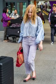 Ellie Bamber at Heathrow Airport in London 2018/10/17 1