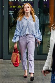 Ellie Bamber at Heathrow Airport in London 2018/10/17 3