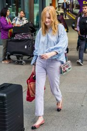 Ellie Bamber at Heathrow Airport in London 2018/10/17 6