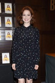 Ellie Kemper at My Squirrel Days Book Signing at Barnes & Noble in Los Angeles 2018/10/11 4