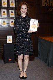 Ellie Kemper at My Squirrel Days Booksiging at Barnes and Noble at The Grove 2018/10/10 3