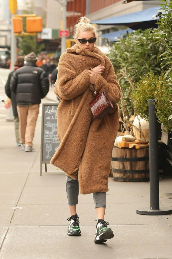 Elsa Hosk Out and About in New York 2018/10/26 1
