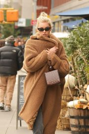 Elsa Hosk Out and About in New York 2018/10/26 5