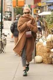 Elsa Hosk Out and About in New York 2018/10/26 6
