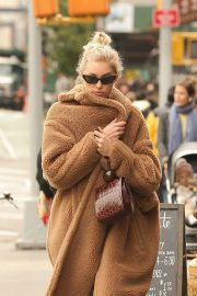 Elsa Hosk Out and About in New York 2018/10/26 7
