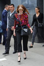 Emma Stone leaves Great Minds Think Unalike in New York 2018/10/01 3
