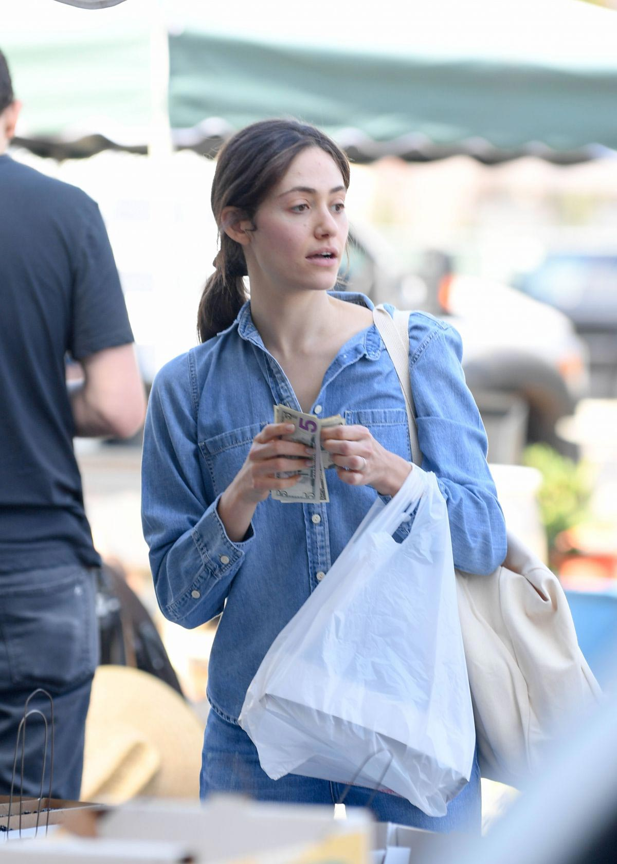 Emmy Rossum and Sam Esmail at Farmer's Market in Beverly Hills 2018/10/07 1