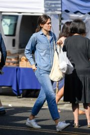 Emmy Rossum and Sam Esmail at Farmer's Market in Beverly Hills 2018/10/07 3