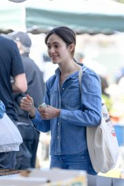 Emmy Rossum and Sam Esmail at Farmer's Market in Beverly Hills 2018/10/07 6
