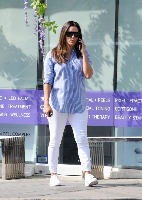Eva Longoria Out and About in Brentwood 2018/10/25 1
