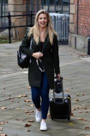 Gemma Atkinson Leaves Hits Radio in Manchester 2018/10/11 3