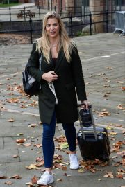 Gemma Atkinson Leaves Hits Radio in Manchester 2018/10/11 8