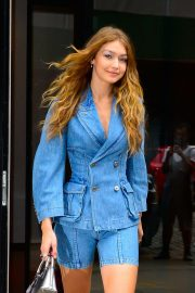 Gigi Hadid Out and About in New York 2018/10/11 5