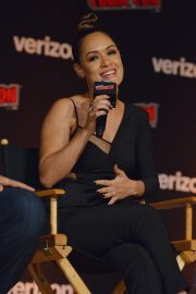 Grace Byers at The Gifted Panel at New York Comic-con 2018/10/07 7