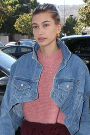 Hailey Baldwin Out and About in Los Angeles 2018/10/15 5