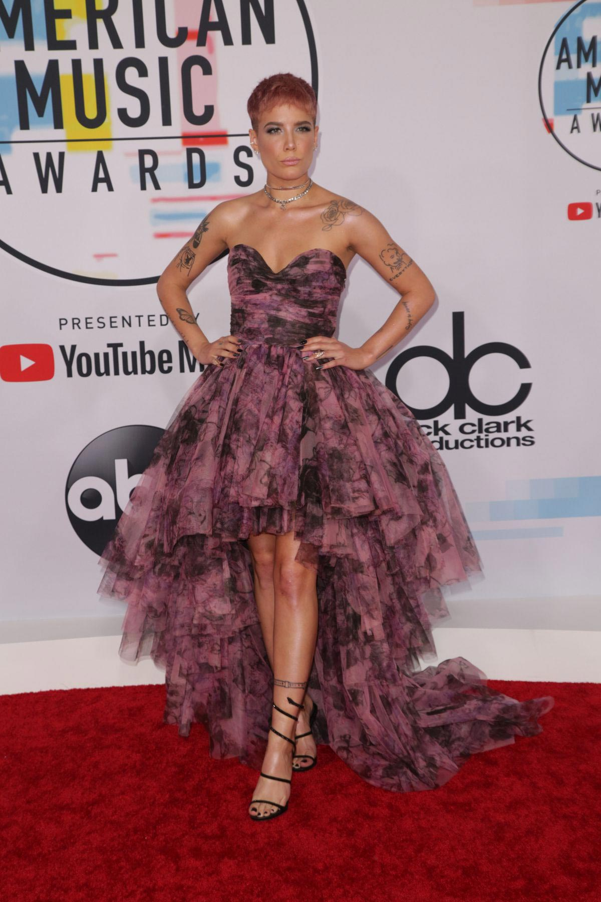Halsey at American Music Awards in Los Angeles 2018/10/09 1
