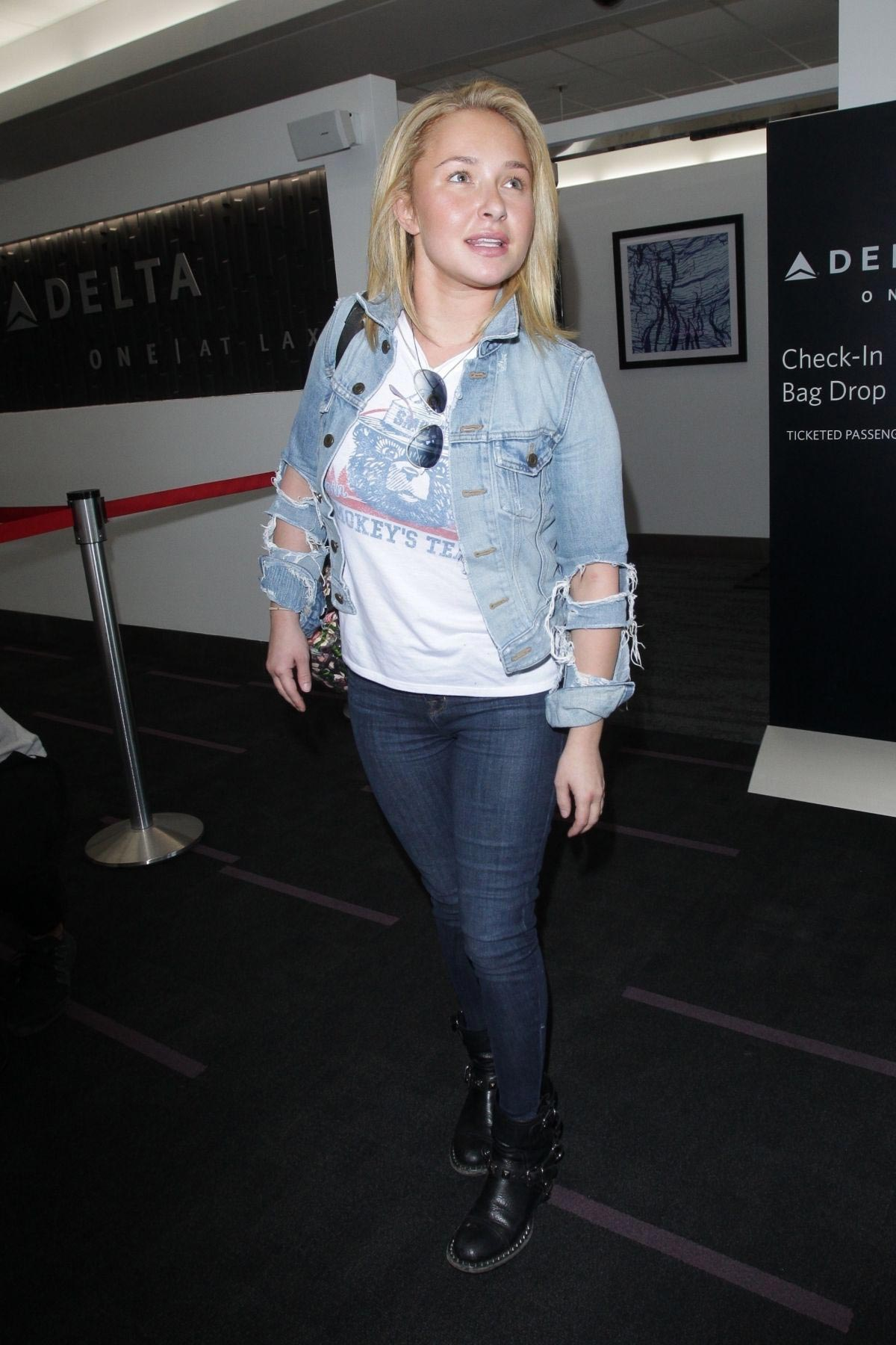 Hayden Panettiere at Los Angeles International Airport 2018/10/19 1