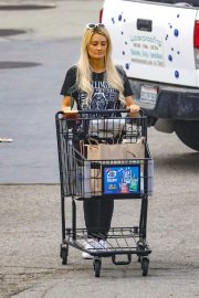 Holly Madison Out Shopping in Malibu 2018/10/26 7