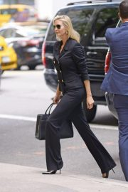Ivanka Trump Arrives at a Meeting in New York 2018/10/17 3
