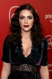 Janet Montgomery at The Romanoffs Premiere in New York 2018/10/11 3