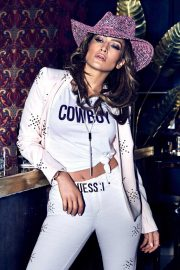 Jennifer Lopez for GUESS Spring 2018 Campaign 10
