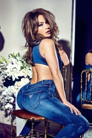 Jennifer Lopez for GUESS Spring 2018 Campaign 15