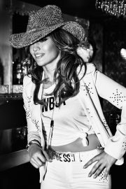 Jennifer Lopez for GUESS Spring 2018 Campaign 25