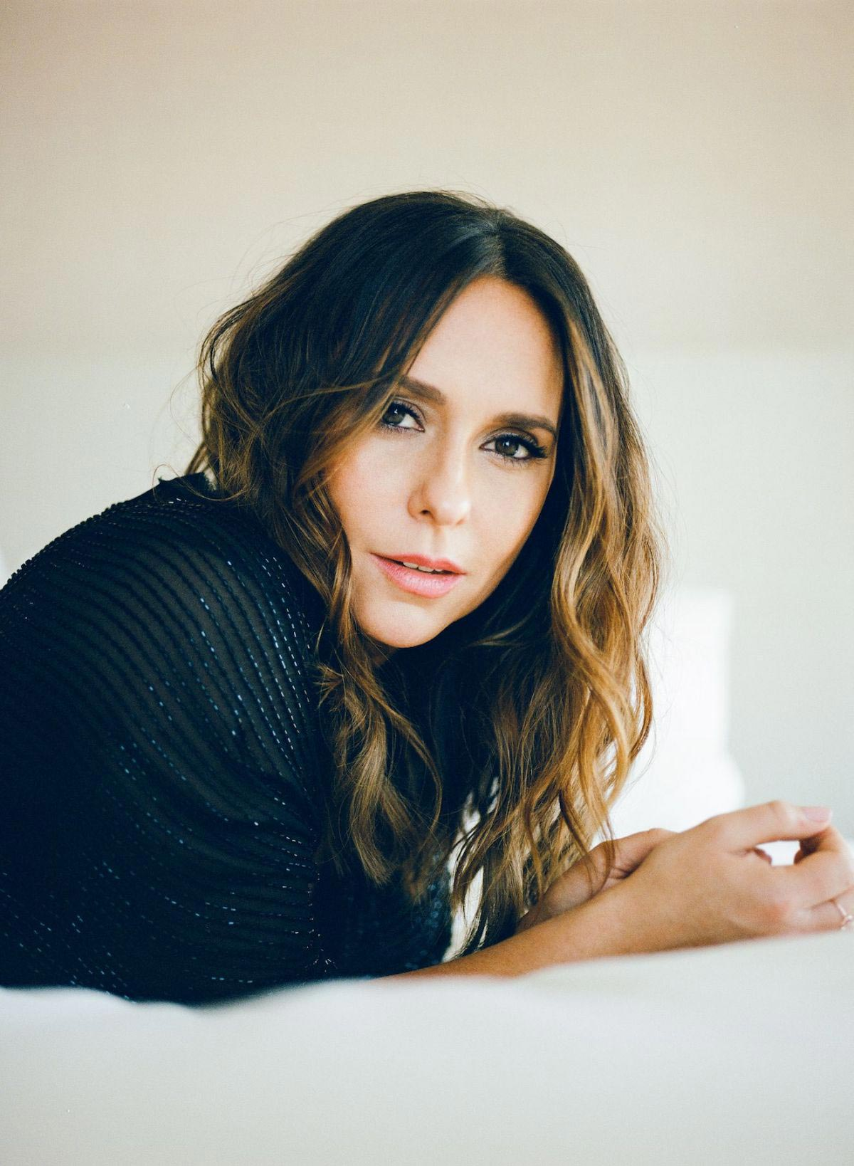 Jennifer Love Hewitt in Elle Magazine, October 2018 1