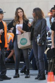Jessica Alba and Gabrielle Union on the Set of L.A.'s Finest in Los Angeles 2018/10/25 3