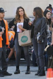 Jessica Alba and Gabrielle Union on the Set of L.A.'s Finest in Los Angeles 2018/10/25 4