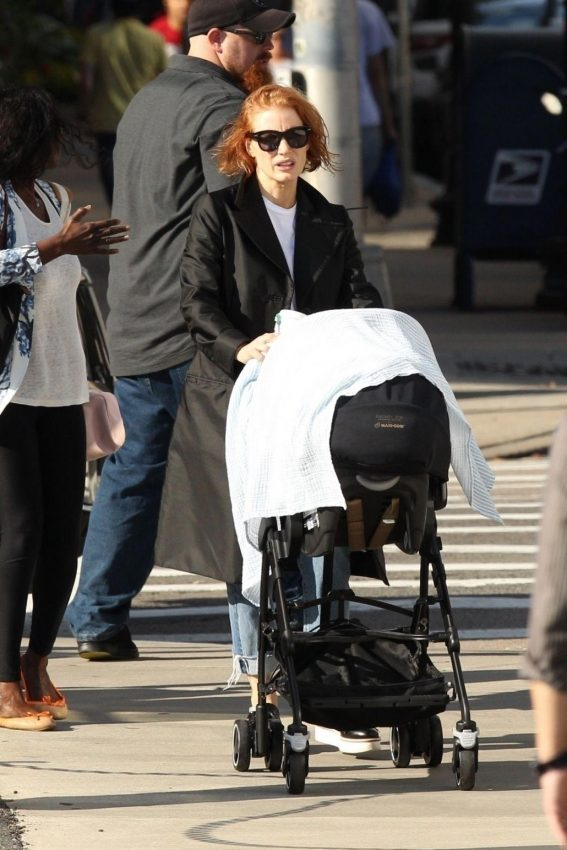Jessica Chastain on the Set of Eve in Boston 2018/10/12 1