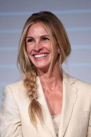 Julia Roberts at Homecoming Promotion in London 2018/10/02 1
