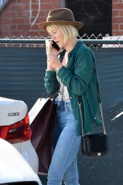 Julianne Hough Out Shopping in Beverly Hills 2018/10/25 8