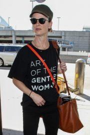 Juliette Lewis at LAX Airport in Los Angeles 2018/10/19 3