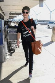 Juliette Lewis at LAX Airport in Los Angeles 2018/10/19 6