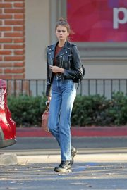 Kaia Gerber in Denim Out and About in Los Angeles 2018/10/07 6
