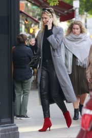 Karlie Kloss Out in New York 2018/10/16 2