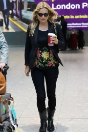 Kate Moss at Heathrow Airport in London 2018/10/26 6