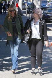 Kate Moss, Lila Grace Moss and Kelly Osbourne Out in Hollywood 2018/10/18 9