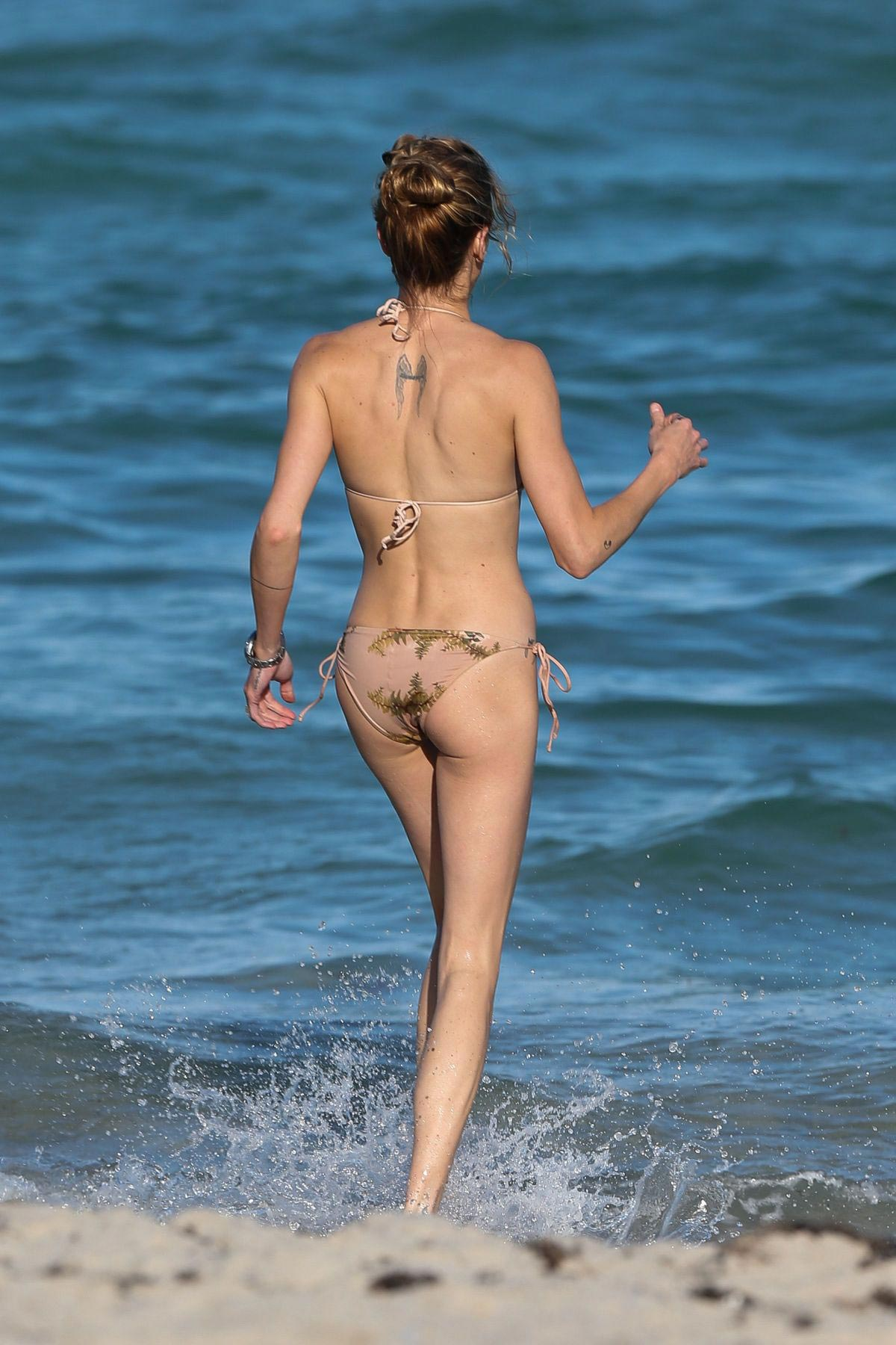 Aus Sonnyphotosfiji also Chloe Sevigny In Bikini At A Pool In Miami additionally Carine as well Mermaid likewise Katie Cassidy In Bikini At A Beach In Miami. on post