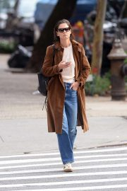 Katie Holmes Out for a Coffee in New York 2018/10/04 5