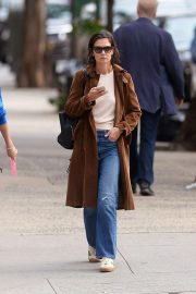 Katie Holmes Out for a Coffee in New York 2018/10/04 6