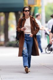 Katie Holmes Out for a Coffee in New York 2018/10/04 8