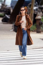Katie Holmes Out for a Coffee in New York 2018/10/04 9
