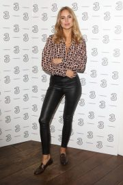 Kimberley Garner at Portr8's Three Mobiles VIP Gallery Launch in London 2018/10/25 6