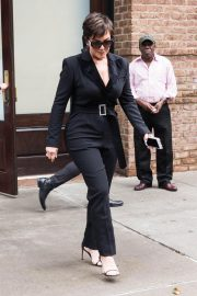 Kris Jenner Out and About in New York 2018/10/11 2