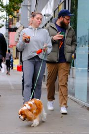 Lauren Miller and Seth Rogen Out with Their Dog in New York 2018/10/16 2